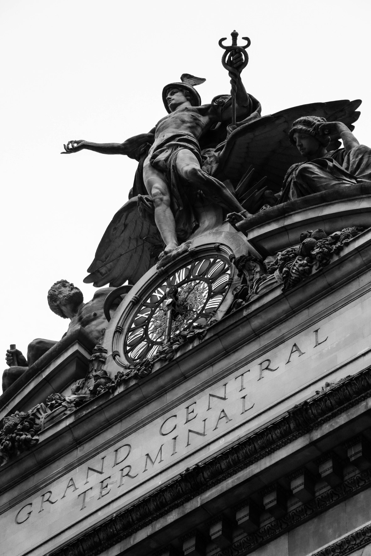 B&W Portrait: Grand Central Station Statue