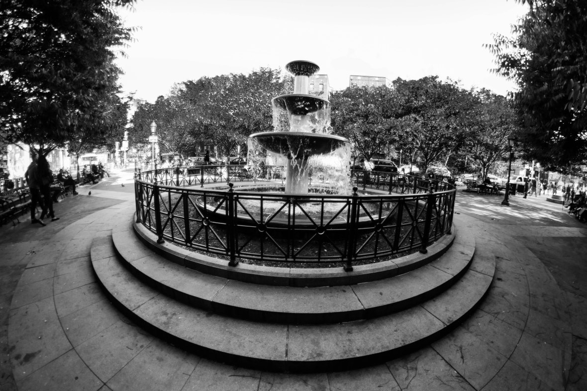 Three Tier Fountain: Black & White