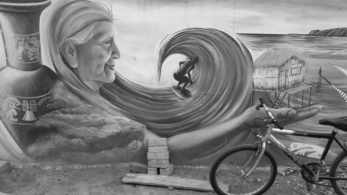 Surf Mural Montanita B + W