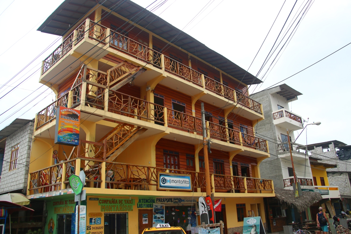 Montanita Hostels