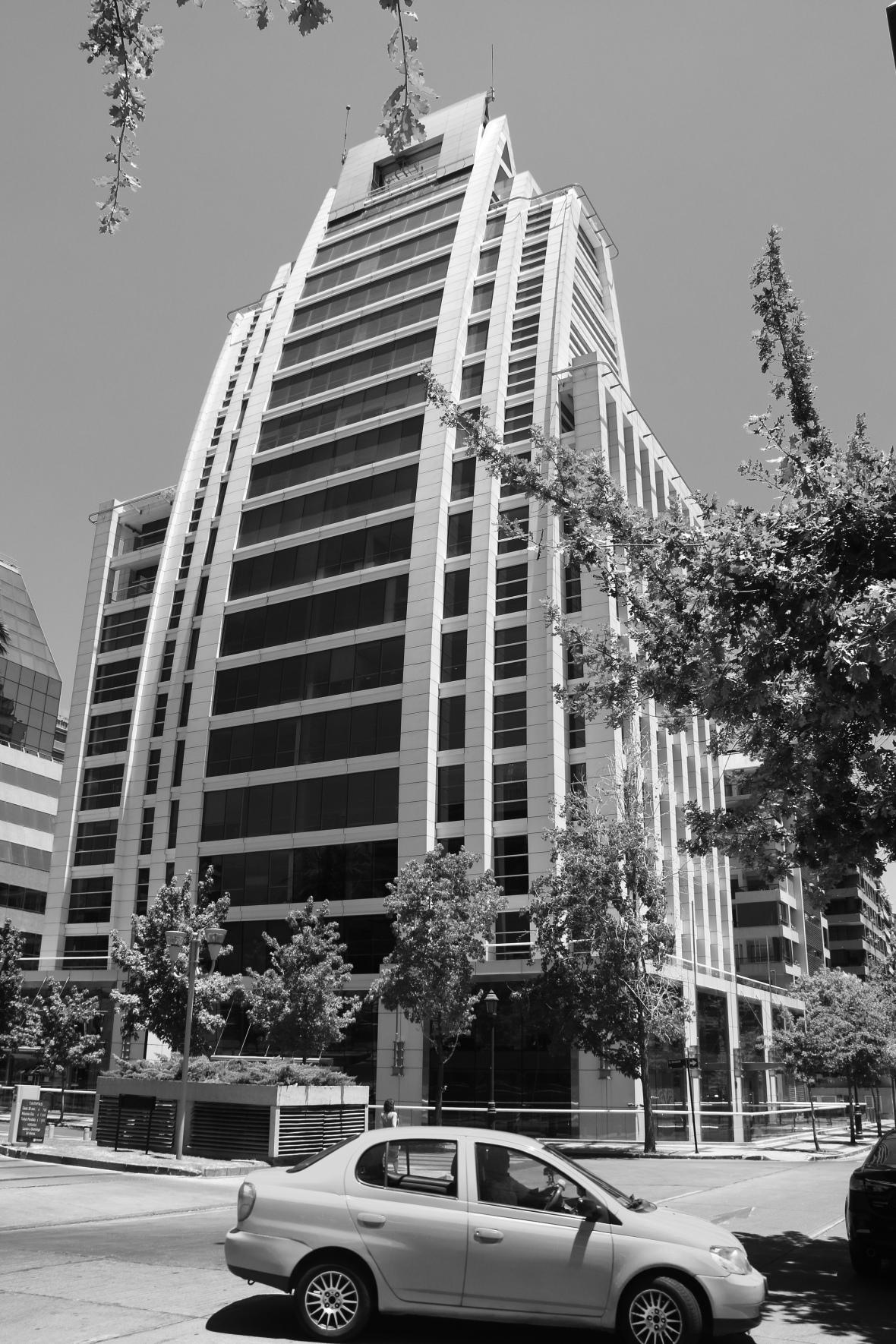 B + W Santiago Building Architecture