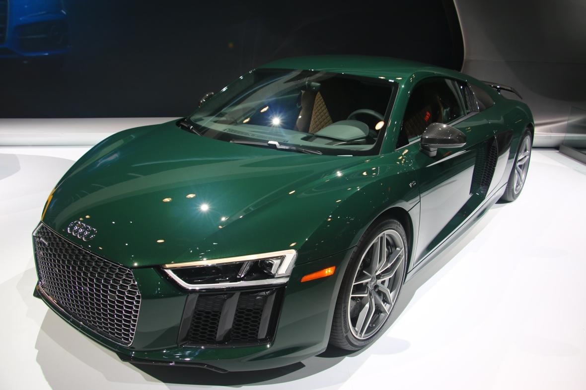 Green Audi R8